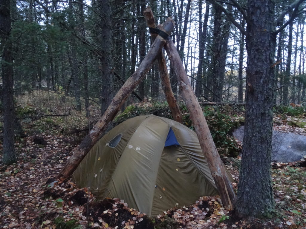 dead fall widow maker long term wilderness survival shelter
