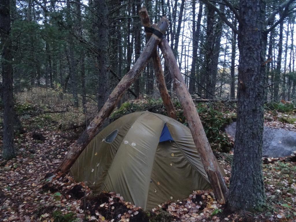 dead fall widow maker long term wilderness survival shelter