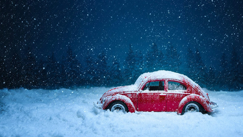 Prepare a Winter Emergency Car Kit with this Checklist